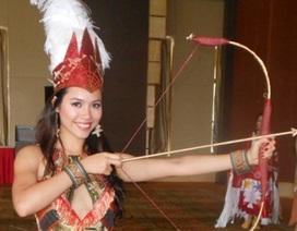 Hoàng My khoe trang phục dân tộc tại cuộc thi HHTG