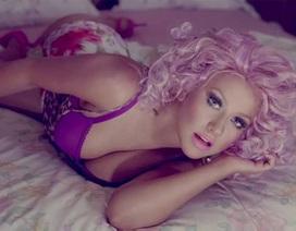 "Christina Aguilera ghét mặc ""nội y"""