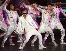 Justin Bieber bị la ó vì diễn muộn tới 2 tiếng