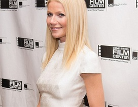 Gwyneth Paltrow không mặc áo lót đi nhận giải thưởng