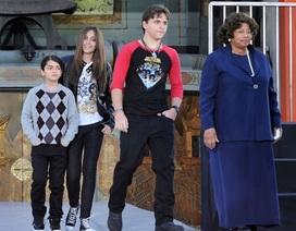 Con trai Michael Jackson ra tòa làm chứng cho bố