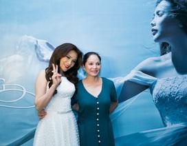 Clip: Hồ Quỳnh Hương xinh như hoa trong ngày ra mắt album mới