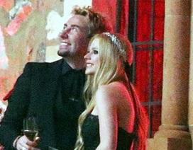 Hé lộ ảnh cưới của Avril Lavigne