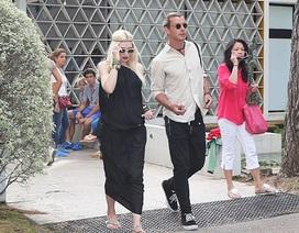 Gwen Stefani sành điệu khi đi ngắm cảnh ở Pháp