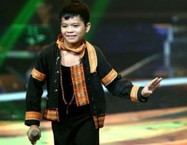 """Những điều ít biết về cậu bé """"Chiếc khăn piêu"""" Quang Anh"""