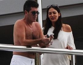Simon Cowell không định cưới bạn gái mang bầu