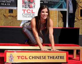 Sandra Bullock lưu dấu tay, chân tại nhà hát Chinese