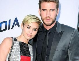 Bạn trai xấu hổ vì màn diễn phản cảm của Miley Cyrus