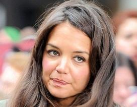 Katie Holmes: 34 tuổi, tóc đã điểm bạc