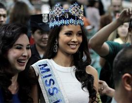 Hoa hậu thế giới trở về quê nhà