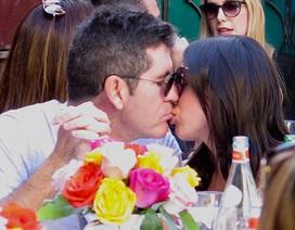 Simon Cowell hạnh phúc bên bạn gái mang bầu