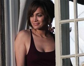 Jennifer Lopez trẻ đẹp tại trường quay