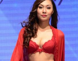 Người mẫu Việt khoe dáng gợi cảm