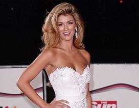 Hoa hậu Anh quyến rũ mọi góc nhìn