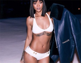 """Rihanna """"lộ"""" loạt hình xăm cá tính"""