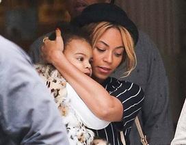 Con gái Beyonce sành điệu như mẹ!