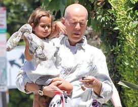 Bruce Willis làm bố đảm