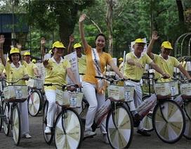 Ngô Phương Lan cổ vũ người cao tuổi luyện tập thể thao