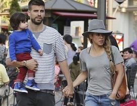Shakira ra phố cùng bồ trẻ