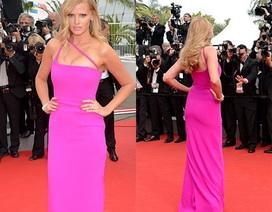 Siêu mẫu một con đẹp rực rỡ tại Cannes