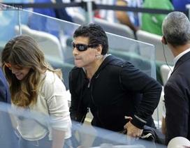 Huyền thoại bóng đá Maradona đi xem World Cup