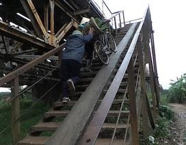 """Thót tim cảnh lên xuống tại đường dẫn lên cây cầu """"bắc qua 3 thế kỷ"""""""