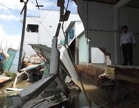 3 căn nhà đổ sụp xuống sông và hàng chục căn khác bị rạn nứt