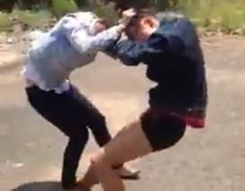 Vụ 2 thiếu nữ đánh lộn đến ngất xỉu: Một em mới đang học lớp 9