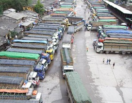 Hàng trăm xe chở nông sản ùn ứ tại cửa khẩu Tân Thanh