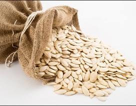 Ăn nhầm hạt giống trộn thuốc chuột, hai trẻ tử vong