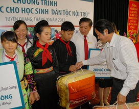 Chăn ấm về với 770 học sinh Tuyên Quang
