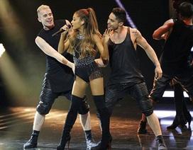 """Mariah Carey"" 9X gợi cảm hết cỡ trên sân khấu"