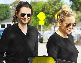 """Kate Hudson lại thân thiết với """"tình cũ"""""""