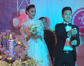 Lê Thúy hạnh phúc trong ngày cưới
