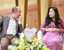 """Danh hài Quốc Thuận cười té ghế với cặp vợ chồng """"đèn đỏ"""""""