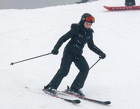 Madonna trổ tài trượt tuyết