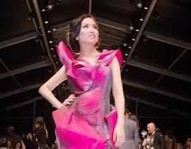 Em gái Cẩm Ly dự show Quỳnh Paris ở New York