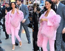 Rihanna bất ngờ nữ tính, duyên dáng