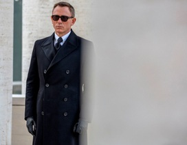 Đoàn làm phim James Bond bị điều tra vì gây rối trên máy bay
