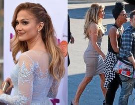 Jennifer Lopez trẻ trung, quyến rũ