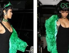 Rihanna mặc gợi cảm, trình diễn bốc lửa