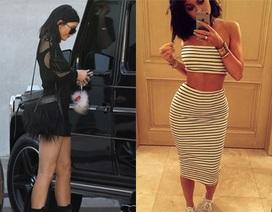 Em gái 17 tuổi của cô Kim tiếp tục với gu thời trang gợi cảm