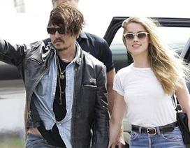 """""""Cướp biển"""" Johnny Depp hạnh phúc bên vợ trẻ đẹp"""