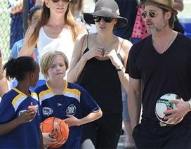 Ngày cuối tuần vui vẻ của gia đình Jolie - Pitt