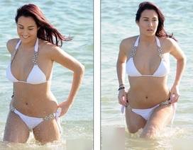 Người đẹp Anh hút hồn với bikini trắng