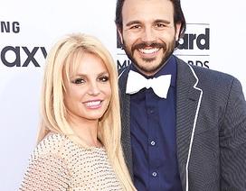 Britney chia tay bạn trai