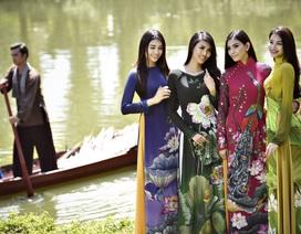 Trương Thị May duyên dáng với áo dài