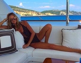 Siêu mẫu Úc quá sexy ở tuổi 51
