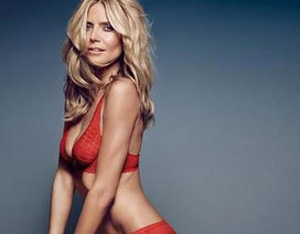 Siêu mẫu 42 tuổi vẫn hot khi diện bikini