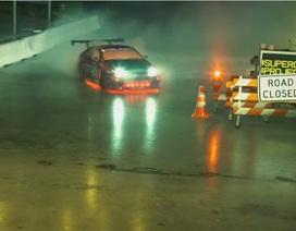 Màn trình diễn drift trong đêm của xe RC
